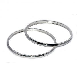 Bright polished silver bangle